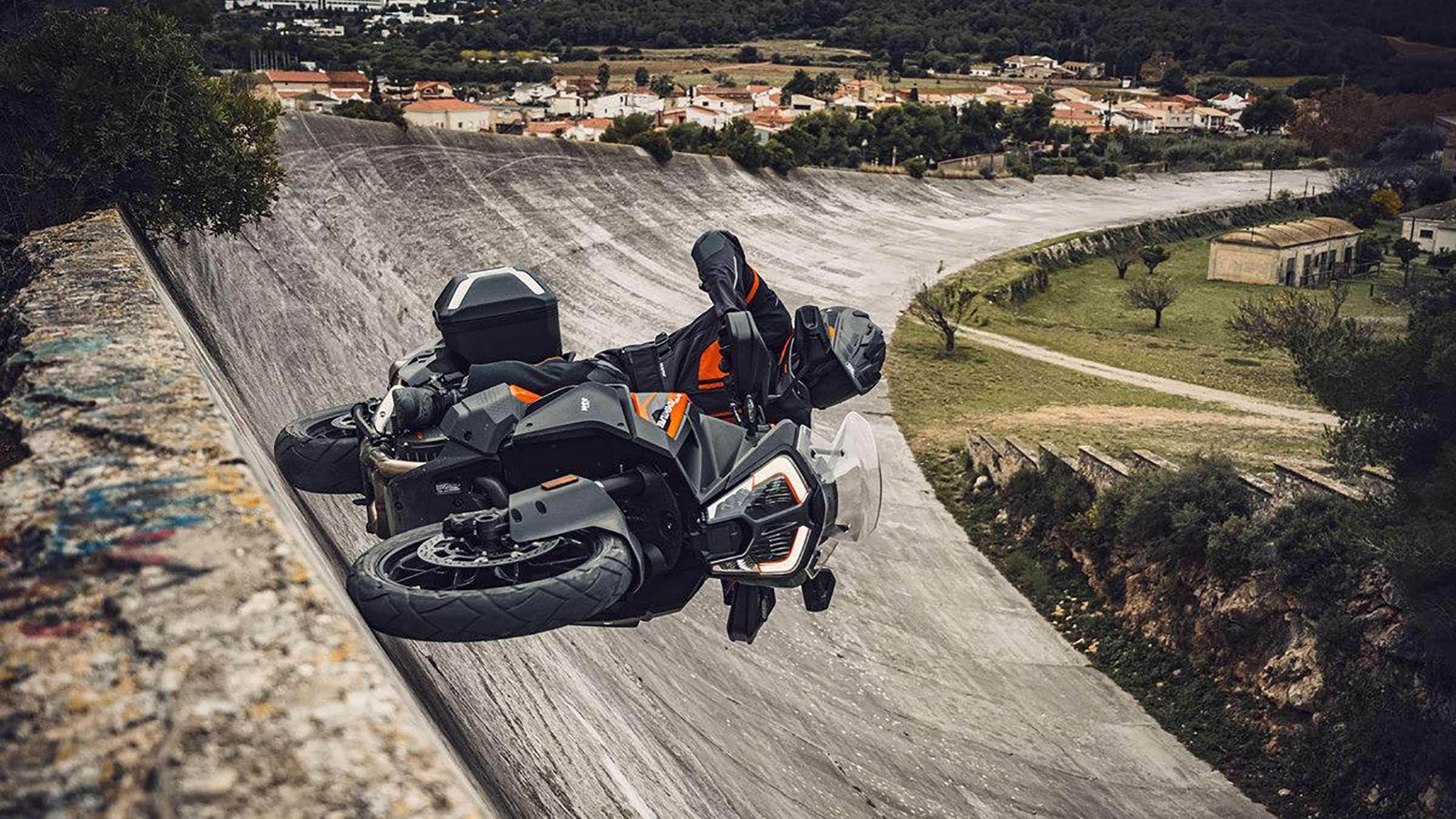 KTM unveils updated 1290 Super Adventure S